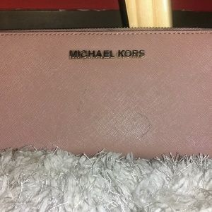 Michael Kors Bags - MICHAEL KORS PEBBLED LEATHER ZIP AROUND WALLET!
